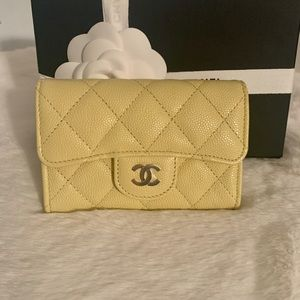 💛 Chanel Yellow Snap Card Holder 💛